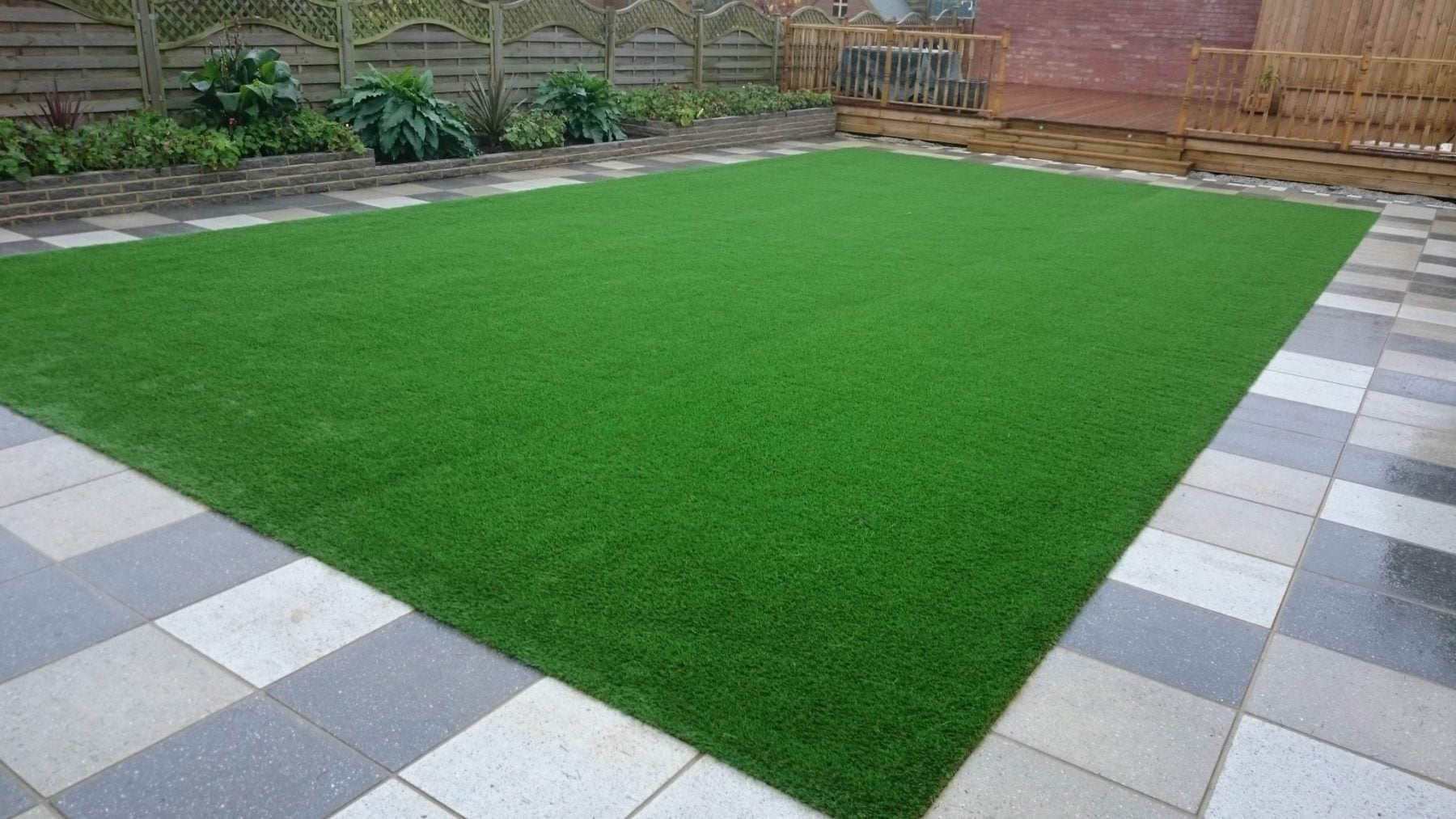 Nomow-artificial-grass-domestic-garden